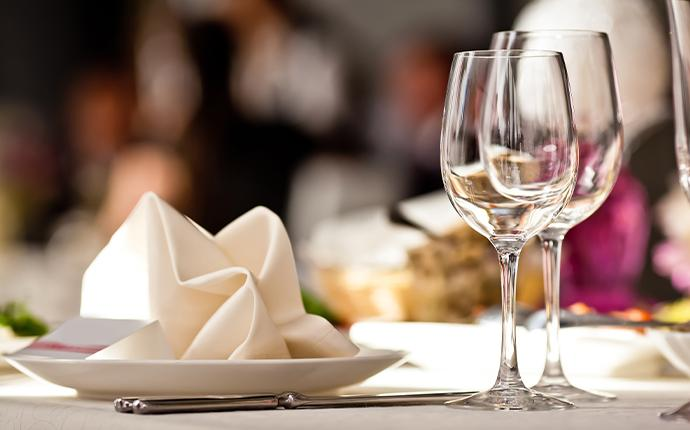 glasses and plate on restaurant table