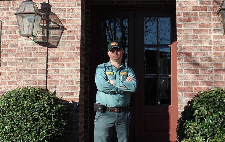 technician servicing a deweyville home