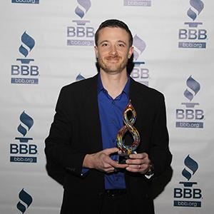 josh smith wins bbb southeast texas spark award