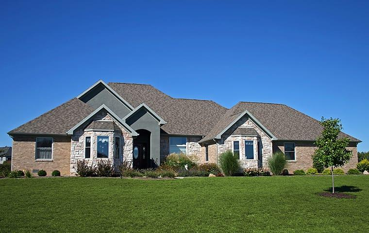 a street view of a suburban home in mauriceville texas