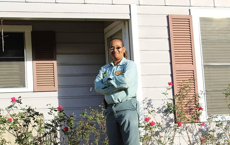 technician in front of willis home