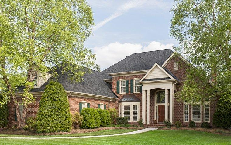 a large suburban house in columbia tennessee