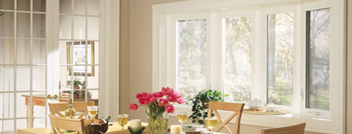 cleveland dining room with beautiful bay windows