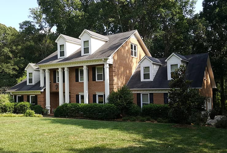 the exterior of a home serviced by spencer pest control in hendersonville north carolina