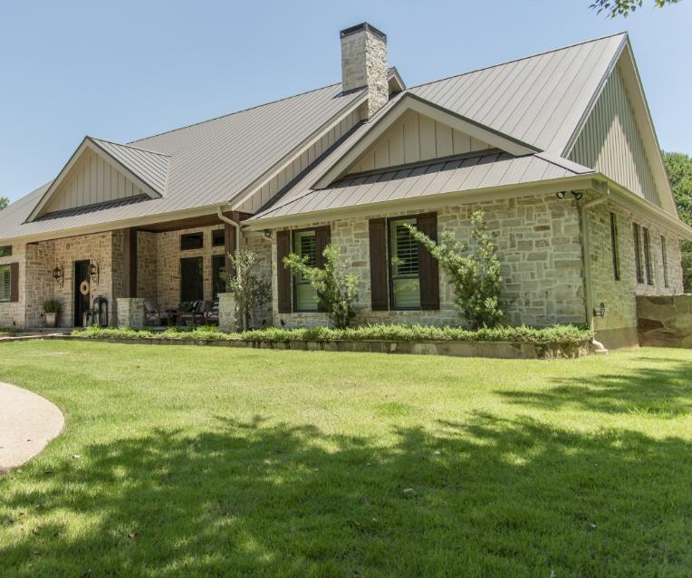 residential home and lawn in tyler texas