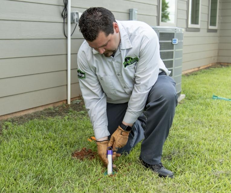 tyler tx termite control expert installing sentricon