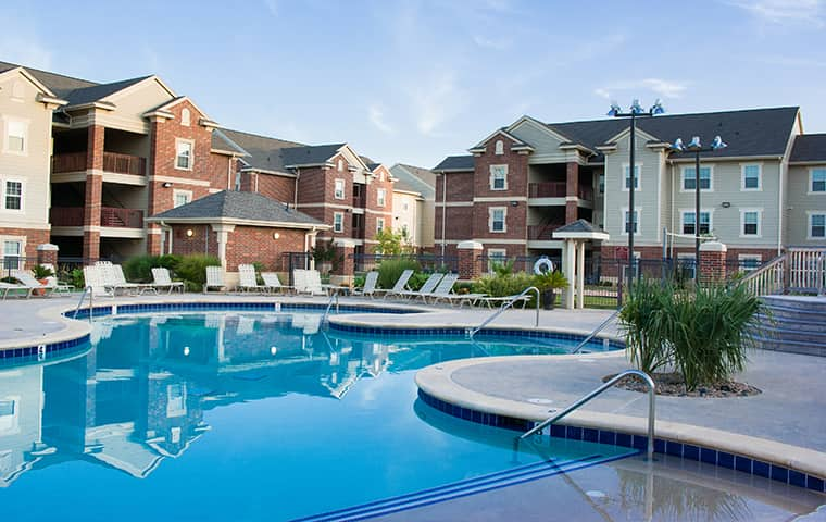 an apartment complex and community swimming pool in defuniak springs florida