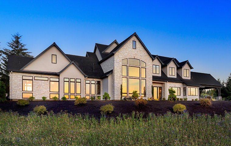 a large suburban home in syracuse new york