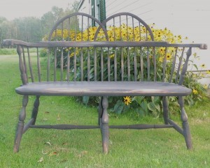 Double bow sack back bench