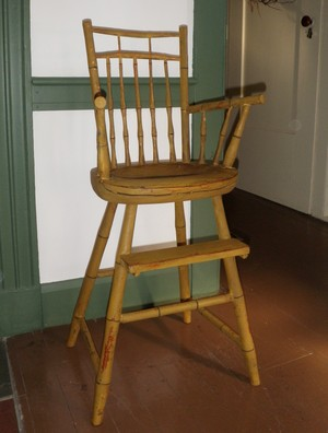 Bird-cage (double-rod) Windsor child's high chair