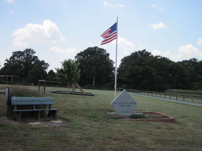 Tomlinson-Moore Park Trail