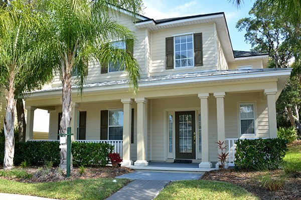 home located in pinellas park florida