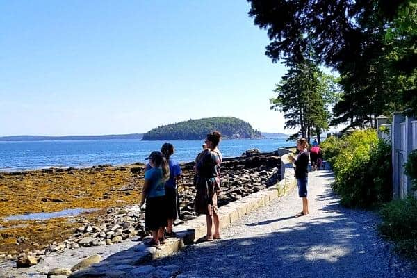ladies hiking in acadia national park