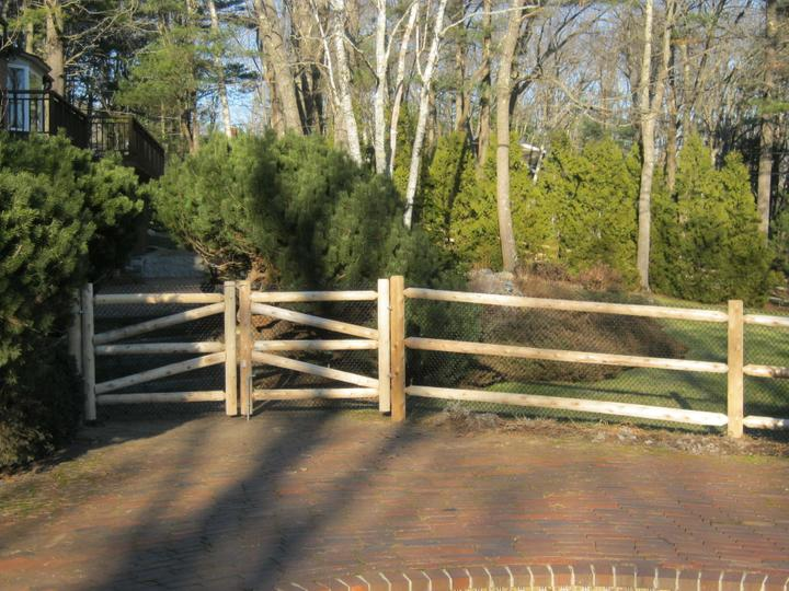 Photo #15, 3-Rail, Round Dowel End Rail with Round Posts, Double Gate and Vinyl Coated Chain Link