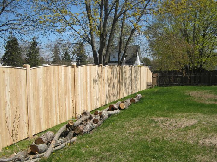 Photo #150, 6' Solid Reverse Scallop Board with Thin Cap Strip and Chamfered Posts