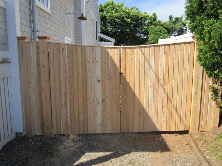 Photo #153, 6' Solid V-Notch Board Double Gate with Thin Cap Strip