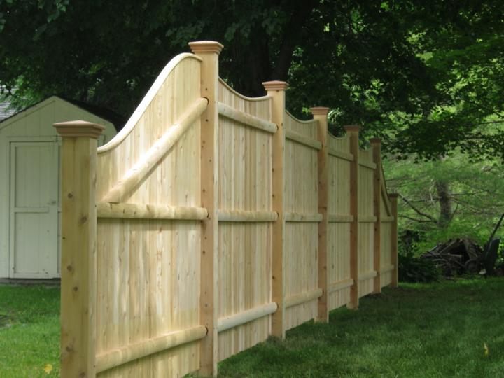 Photo #162, 6' Solid Scalloped Board with Thin Cap Strip and 6' to 4' Slope