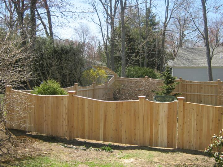 Photo #170, 4' Solid Scalloped Board with Thin Cap Strip and Gate