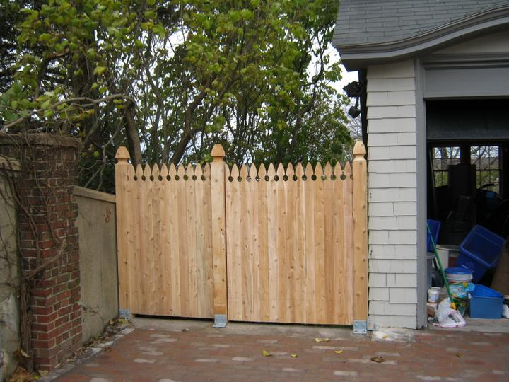 Photo #178, 5' Solid Gothic Picket with Gate