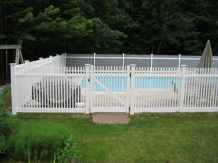Photo #191, 5' Chestnut Picket with New England Style Post Caps and Pool Code Gate