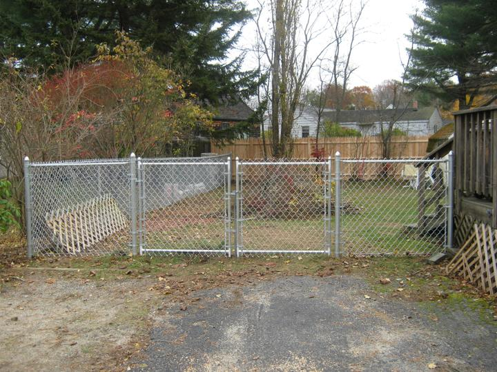 Photo #225, 4' Galvanized Chain Link with Double Gate