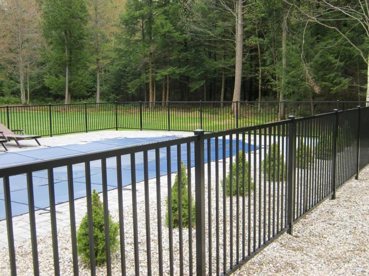 Photo #259, 4' Jerith 202 Style 2-Channel Pool Code Compliant