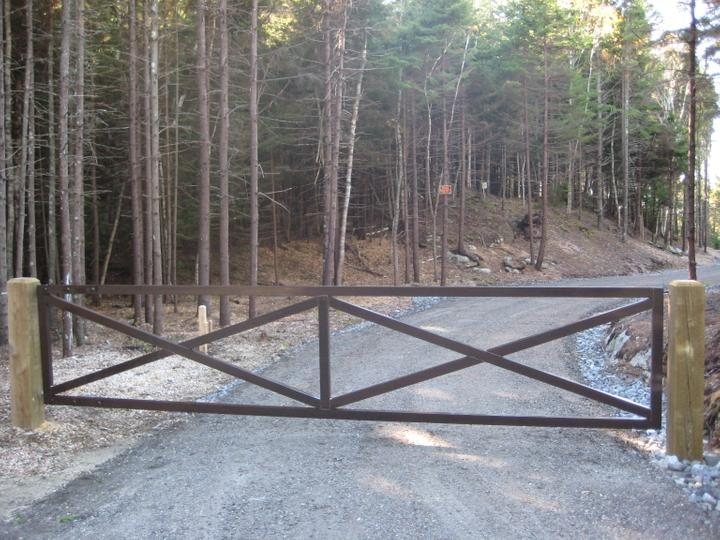Photo #267, Aluminum Bar Gate