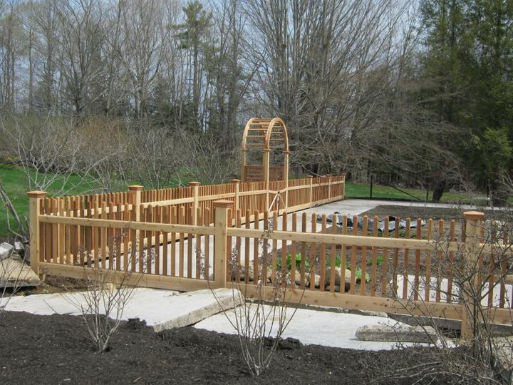 Photo #33, 4' Victorian Picket with Cedar Arbor