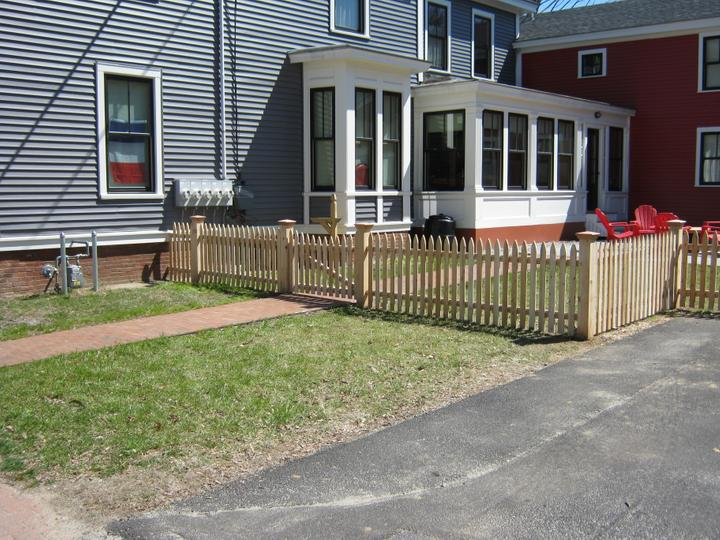Photo #55, 3' Spaced Bishop Picket with Gate