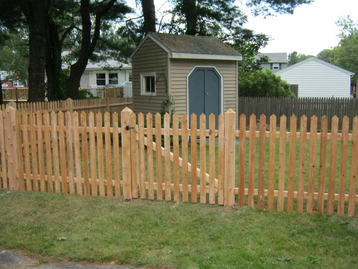 Photo #57, 4' Spaced Cottage Style Picket with Pyramid Top Posts and Gate