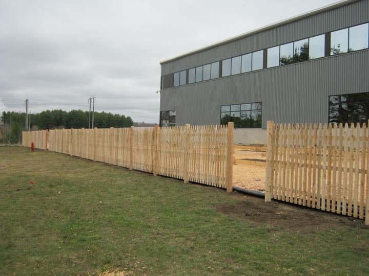 Photo #67, 5' Spaced Stockade Picket with Round Posts