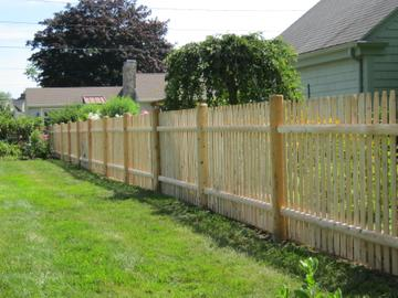 Photo #70, 4' Spaced Stockade Picket with Round Posts