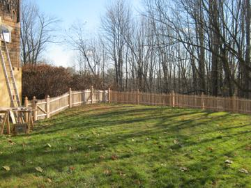 Photo #77, 4' Scalloped Spaced Stockade Picket with Gothic Top Posts