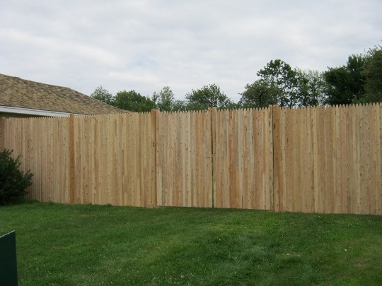 Photo #146, 8' Solid Stockade with Round Posts