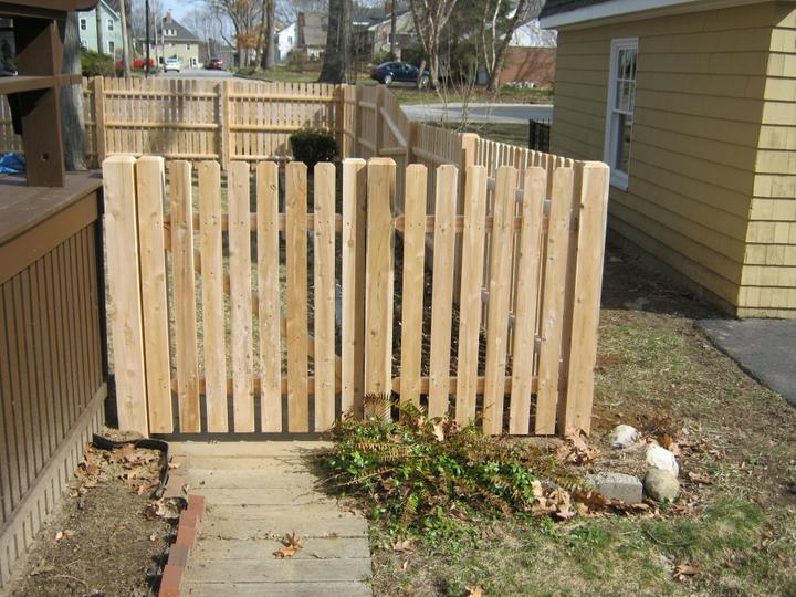 Photo #83, 4' Spaced Dog Eared Board with Gate