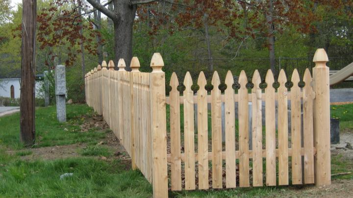 Photo #89, 3' Spaced Gothic Style Picket with 5\