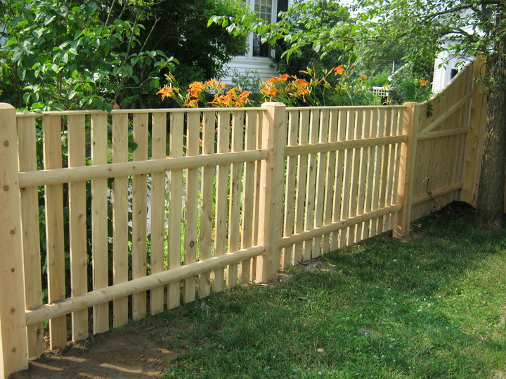 Photo #81, 4' Straight Top Spaced Board Fence with 5x5 Chamfered Top Posts