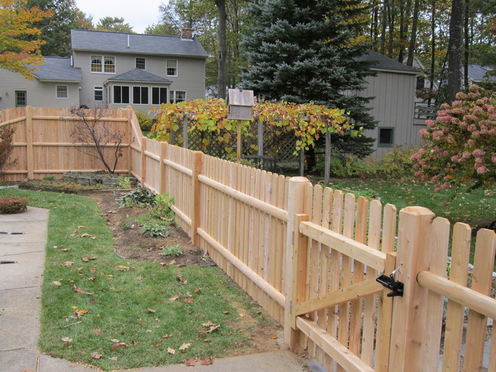 Photo #86, 4' Spaced Dog Ear Board and Walk Gate