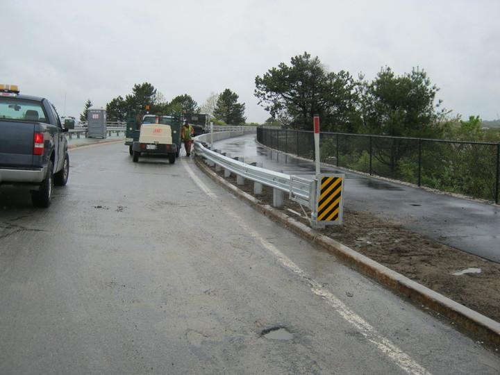 Photo #373, Steel Guardrail with ET-PLUS Breakaway End