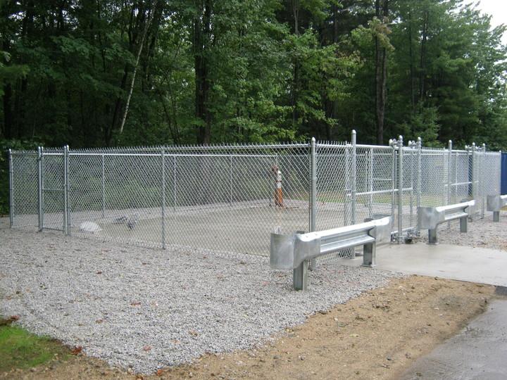 Photo #374, Galvanized Chain Link Enclosure with Guardrail