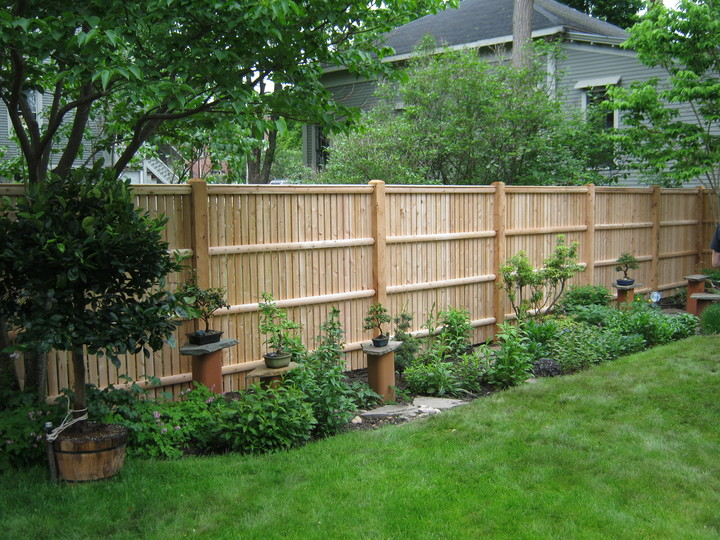 Photo #188, 8' Spaced Board Fence with Thin Cap Strip