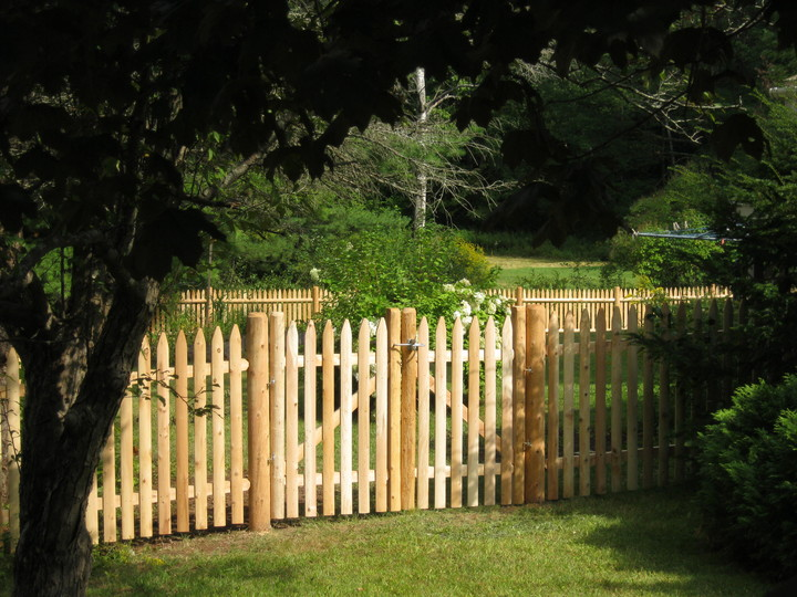 Photo #76, Stockade Picket Fence