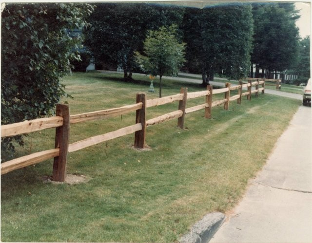 Photo #9, 2-Rail, Western Red Cedar Split Rail