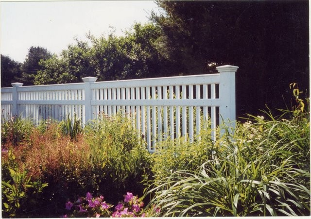 Photo #35, 5' Victorian Picket with 3 Boards and Cap Strip, with 5\
