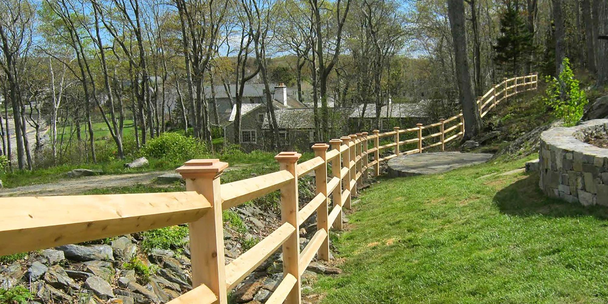 Fence around a patio