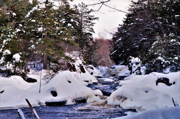 Below zero weather slows the flow, but never stops it (Credit: Wm Hill/Hiking the trail to Yesterday)