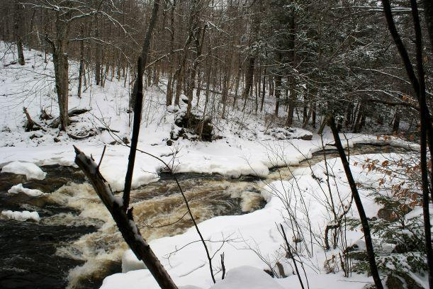 Winter at Harper falls (Credit: Wm Hill/Hiking the trail to yesterday)