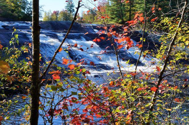 Autumn at Lampson Falls (Credit: Wm Hill/Hiking the trail to yesterday)