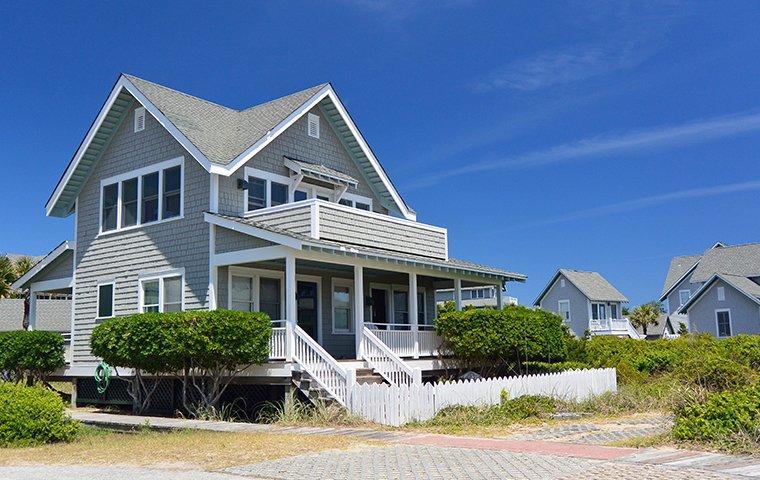 a gray house in ocean isle beach north carolina