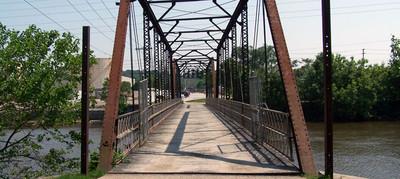 Footbridge connecting Sylvan Island to 1st Street, Moline